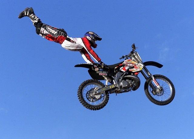 carey_hart_motocrossing