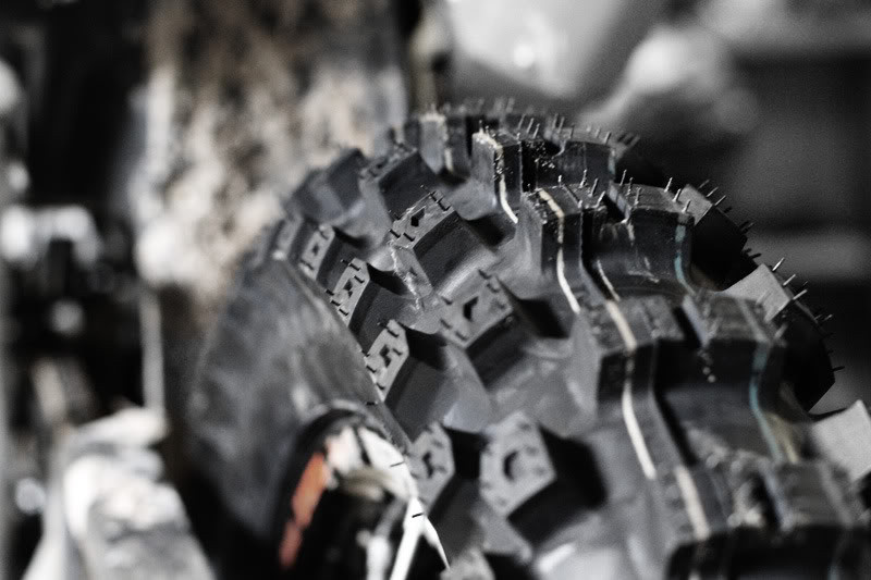 tires_motocrossing